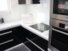 kuchyne-cerna-2